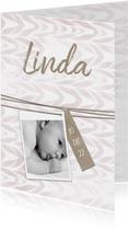 Geboortekaartje met label en waterverf meisje