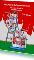 Grappige verhuiskaart muizen die een muur rood schilderen