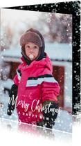 Kerstkaart met grote foto en sneeuwkader