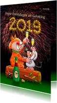Kerstkaart met poes en muis met champagne