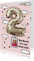 Kinderfeestje meisje 2 jaar ballon zilver stippen