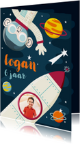 Kinderfeestje uitnodiging ruimte  met aap, raket en planeten