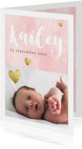 Lief geboortekaartje voor meisje met waterverf en hartjes