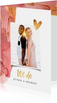 Trouwkaart stijlvol waterverf goud met foto en hartjes