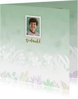 Bedankkaart met foto en gewassen ondergrond met blaadjes