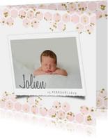 Geboortekaartje met roze goud hartjes in hexagon