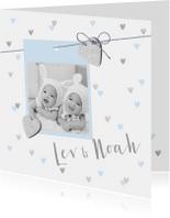 Geboortekaartje tweeling hartjes en foto lichtblauw