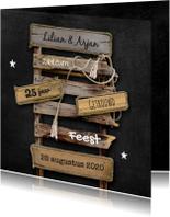 Uitnodiging jubileum drijfhout pallet op krijtbord