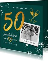 Jubileumkaart 50 jaar huwelijk groen stijlvol met champagne