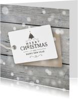 Kerstkaart hout label sneeuw