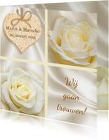 Mooie klassieke trouwkaart met witte rozen op zijde