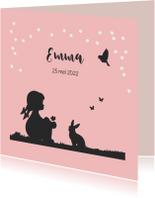 Romantisch geboortekaartje met een silhouet meisje en dieren