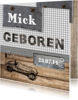 Stoere jongens kaart met raceauto en hout
