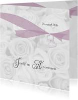 Trouwkaart witte rozen en lint