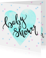 Uitnodiging babyshower hartjes en tekst blauw roze