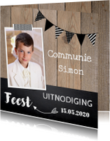 Uitnodiging communie foto slinger hout krijtbord