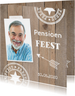 Uitnodiging pensioen eigen foto houtprint