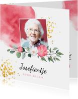 Uitnodiging verjaardag vrouw met waterverf, bloemen en foto