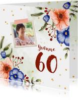 Uitnodiging verjaardagsfeest bloemen confetti foto