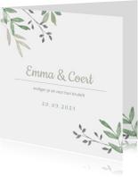 Vierkante trouwkaart met groene takjes