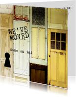Verhuiskaarten - We've moved verhuiskaart met deuren en sleutelgat