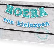 Felicitatiekaarten - Felicitatie kleinzoon slinger op hout