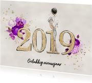 Nieuwjaarskaart 2019 in goud met bloemen