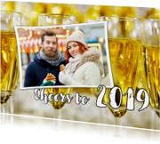 Nieuwjaarskaart Cheers to 2019 champagne foto