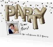 Uitnodiging jubileum huwelijk party folie ballon illustratie