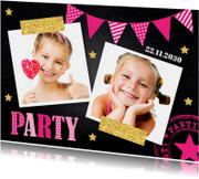 Uitnodiging kinderfeestje slinger fotocollage krijtbord roze