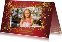 Kerstkaart foto feestelijk rood en gouden sterren