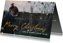 Kerstkaart gouden 'Merry Christmas' met grote foto