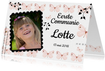 Uitnodiging communie met lieve roze vlinders en eigen foto