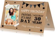 Verjaardagskaart typografie foto kraft slinger