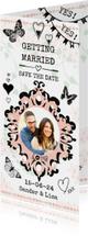 Trouwkaart Save the date met vlinders hartjes en fotokader