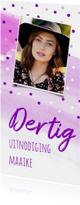 Uitnodiging paars met stippen, foto en aanpasbare leeftijd