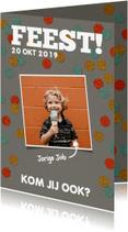 Kinderfeestjes - Een vrolijke, stoere uitnodiging voor een kinderfeestje.