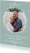 Nieuwjaarskaarten - Nieuwjaarskaart in zachtgroen met sneeuwsterren