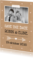 Trouwkaarten - Save the Date kaart eigen foto hartjes kraft