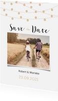 Trouwkaarten - Save the date kaart met lampjes en een eigen foto