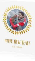 Nieuwjaarskaarten - Stijlvolle dubbele witte nieuwjaarskaart met goudlook krans