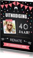Uitnodigingen - Uitnodiging confetti roze krijtbord foto