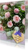 Verjaardagskaarten - Verjaardagskaart bos rozen met steigerhout en hart
