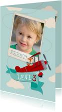 Kinderfeestje met vosje in vliegtuig en foto