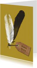 Woonkaart met veren en tekstlabel op okergeel