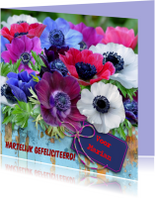 Felicitatiekaarten - Felicitatiekaart met fleurige anemonen op steigerhout