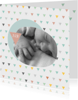 Geboortekaartjes - Geboortekaart driehoekjes kleur meisje