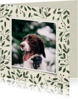 Kerstkaart met botanische takjes en foto