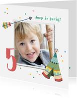 Kinderfeestjes - Kinderfeestje uitnodiging vrolijk met confetti en tipi tent