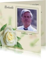 Rouwkaarten - Mooie bedankkaart roos op gewassen achtergrond met foto